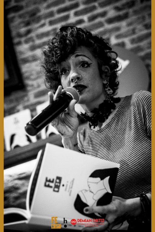 Harpo Libros | Irene X en un momento de la presentación.